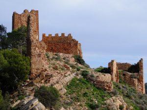 Развалины Castillo de Serra и Паэлья на костре