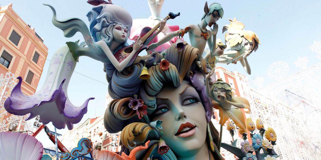 Фестиваль Фальяс в Валенсии